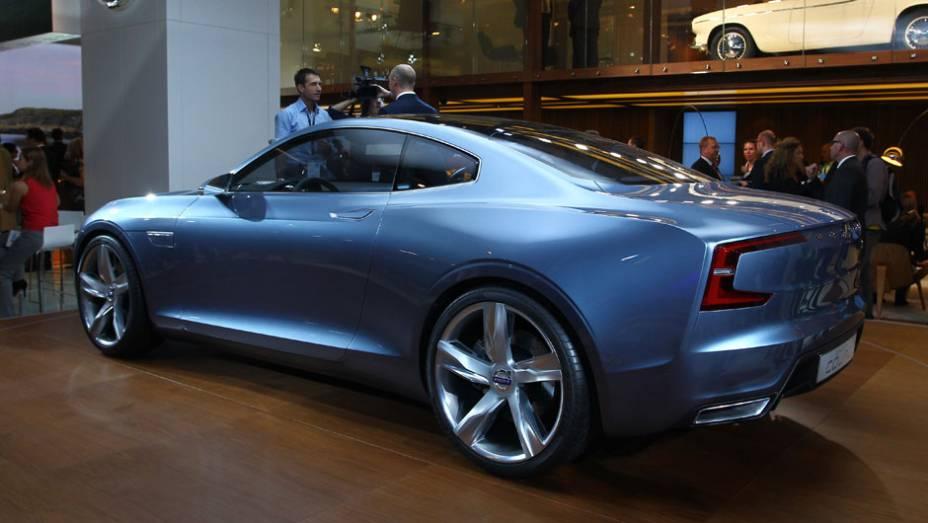 """Volvo Concept Coupe   <a href=""""http://quatrorodas.abril.com.br/saloes/frankfurt/2013/volvo-concept-coupe-751772.shtml"""" rel=""""migration"""">Leia mais</a>"""