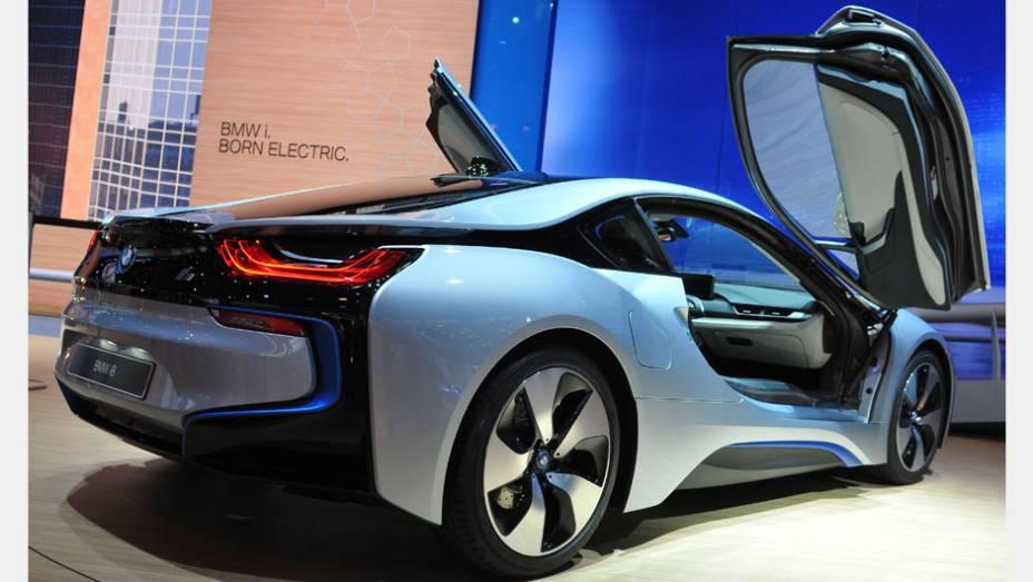 """BMW i8   <a href=""""http://quatrorodas.abril.com.br/saloes/frankfurt/2013/bmw-i8-752136.shtml"""" rel=""""migration"""">Leia mais</a>"""