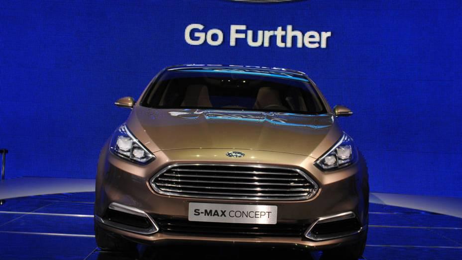 """Ford S-MAX concept   <a href=""""http://quatrorodas.abril.com.br/saloes/frankfurt/2013/ford-s-max-concept-752987.shtml"""" rel=""""migration"""">Leia mais</a>"""