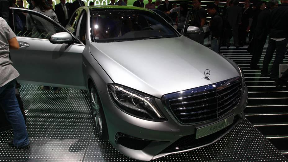 """Mercedes-Benz S63 AMG   <a href=""""http://quatrorodas.abril.com.br/saloes/frankfurt/2013/mercedes-benz-s63-amg-751703.shtml"""" rel=""""migration"""">Leia mais</a>"""