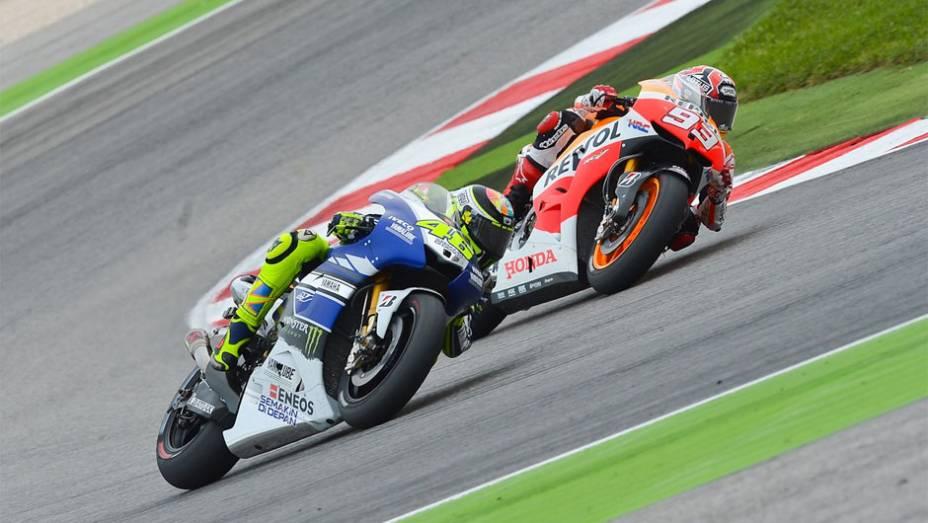 """Valentino Rossi cruzou a linha de chegada na quarta posição   <a href=""""http://quatrorodas.abril.com.br/moto/noticias/motogp-lorenzo-triunfa-misano-754124.shtml"""" rel=""""migration"""">Leia mais</a>"""