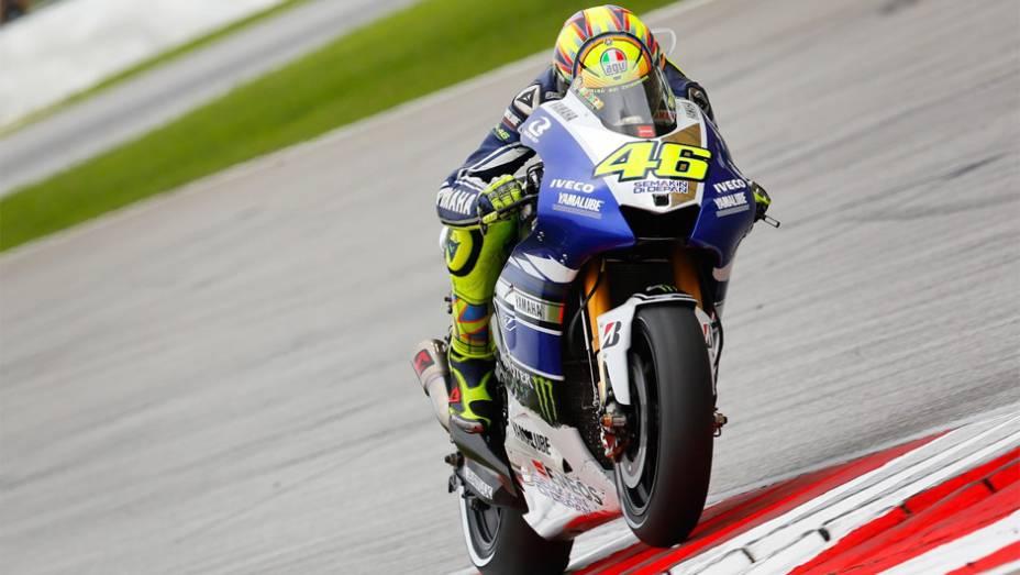 """Valentino Rossi ficou com o quarto lugar em Sepang   <a href=""""http://quatrorodas.abril.com.br/moto/noticias/motogp-dani-pedrosa-vence-sepang-756916.shtml"""" rel=""""migration"""">Leia mais</a>"""