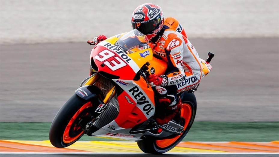 """Terceiro lugar garantiu o Mundial de MotoGP para Marc Márquez   <a href=""""http://quatrorodas.abril.com.br/moto/noticias/lorenzo-vence-nao-impede-titulo-marquez-759873.shtml"""" rel=""""migration""""></a>"""