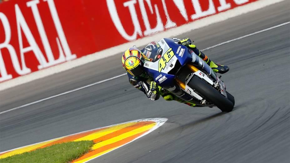 """Rossi foi o quarto colocado em Valência   <a href=""""http://quatrorodas.abril.com.br/moto/noticias/lorenzo-vence-nao-impede-titulo-marquez-759873.shtml"""" rel=""""migration""""></a>"""