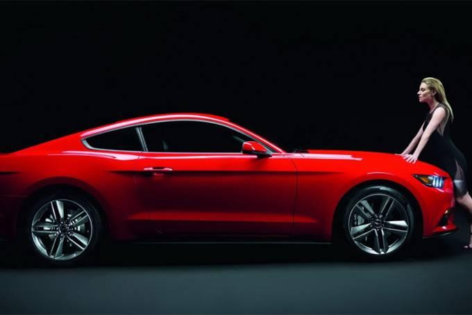 Siena Miller e o novo Ford Mustang