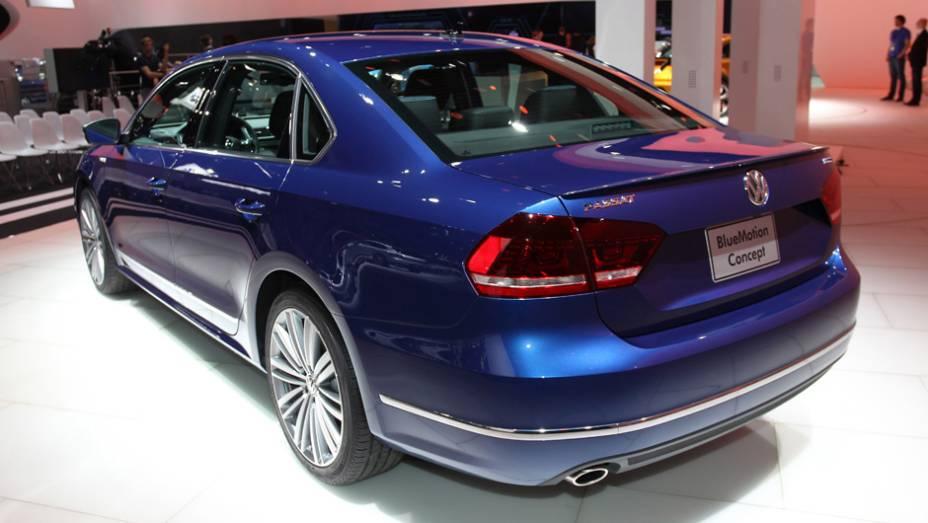 "VW Passat Bluemotion | <a href=""http://quatrorodas.abril.com.br/noticias/saloes/detroit-2014/vw-tera-passat-bluemotion-detroit-768175.shtml"" rel=""migration"">Leia Mais</a>"