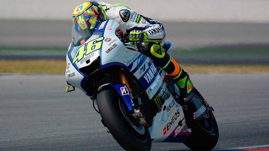 """Valentino Rossi surpreendeu e foi o segundo mais rápido   <a href=""""http://quatrorodas.abril.com.br/moto/noticias/motogp-marquez-lidera-primeiro-dia-testes-sepang-772341.shtml"""" rel=""""migration"""">Leia mais</a>"""