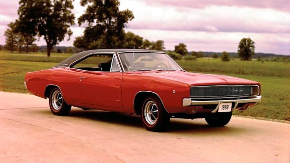Charger (1968) - Derivado do Coronet, surgiu em 1966. Mas foi com o redesenho de 1968 que o muscle car se consagrou, graças à sequência antológica de perseguição no filme Bullitt
