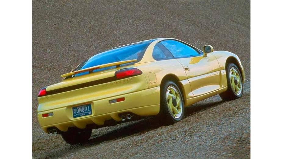 Stealth (1991) - Design Dodge em projeto da Mitsubishi, de que a Chrysler tinha 20% das ações. Com um V6 biturbo, tração e direção nas quatro rodas, esbanjava tecnologia