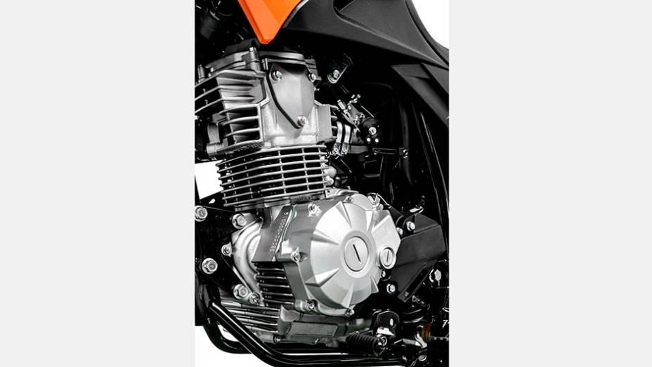 """A Yamaha Crosser 150 está equipada com o motor Blueflex de 2ª geração, SOHC (Single Over Head Camshaft) de 149,3 cm³ e quatro tempos com injeção eletrônica   <a href=""""http://quatrorodas.abril.com.br/moto/noticias/yamaha-lanca-crosser-150-r-9-050-00-773044"""" rel=""""migration""""></a>"""