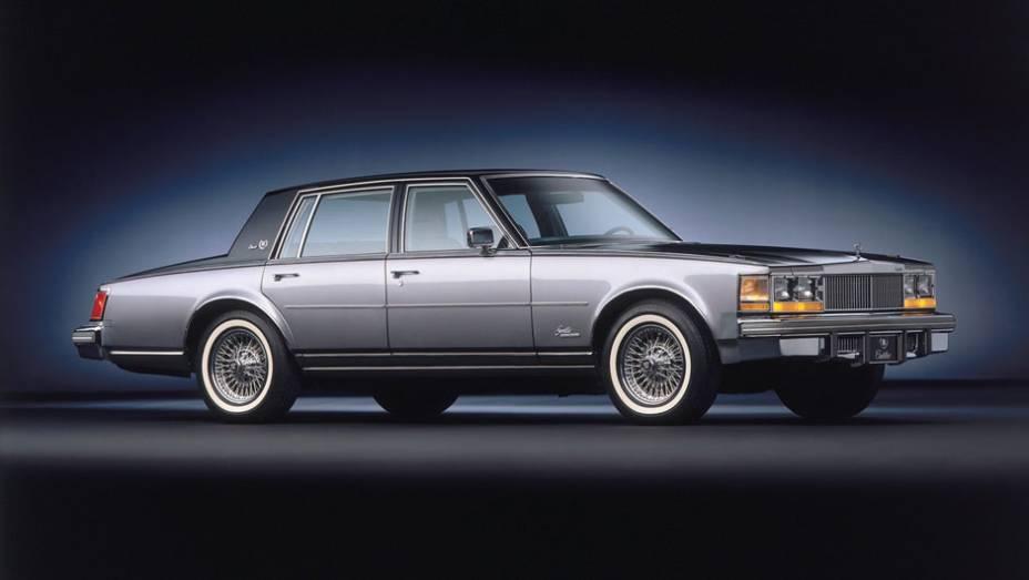O V8 a diesel de 120 cv herdado da Oldsmobile passou a ser oferecido no Seville em 1978, o que se expandiu pela linha em 1979 (vide anúncio) e foi criticado pela corrosão e pouco vigor