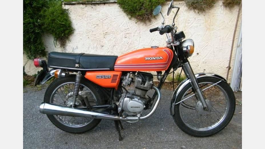 Honda CG 125 1976, feita em Manaus (AM), foi a primeira motocicleta nacional da marca japonesa, que continua sendo feita e carrega o nome CG 125 Fan