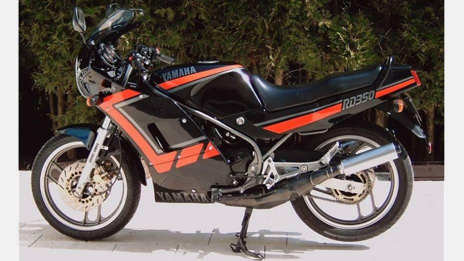 """A Yamaha RD350LC, também conhecida como """"Viúva Negra"""", fez muito sucesso na década de 1980"""