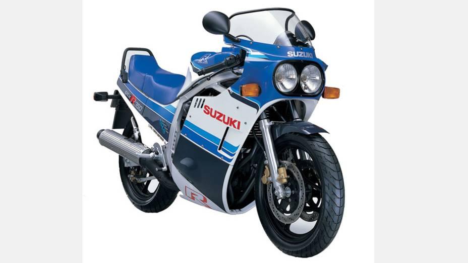 Suzuki GSX-R 750 - O modelo foi introduzido em 1985 e contava com muitas tecnologias vindas das pistas