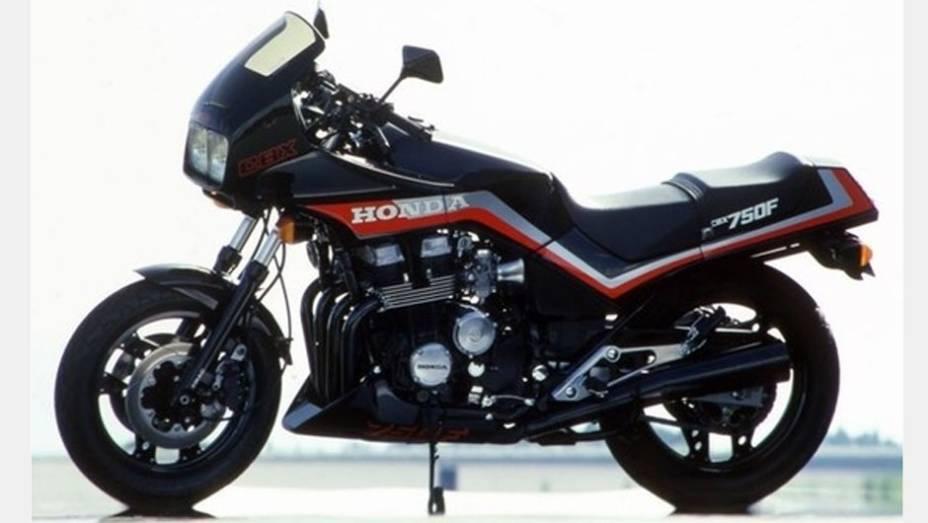 A Honda CBX 750F, também chamada de 7 Galo, foi fabricada e comercializada no Brasil entre 1986 e 1994