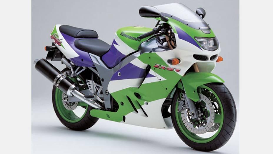 Na década de 1990, Kawasaki era sinônimo de Ninja. A Kawasaki Ninja ZX-9R de 1994 fez muito sucesso no país