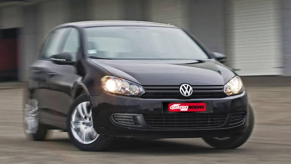 """A sexta geração estreou em 2008 com design mais aerodinâmico   <a href=""""http://quatrorodas.abril.com.br/carros/lancamentos/volkswagen-golf-vii-749855.shtml"""" rel=""""migration"""">Mais sobre o novo Golf no Brasil</a>  """