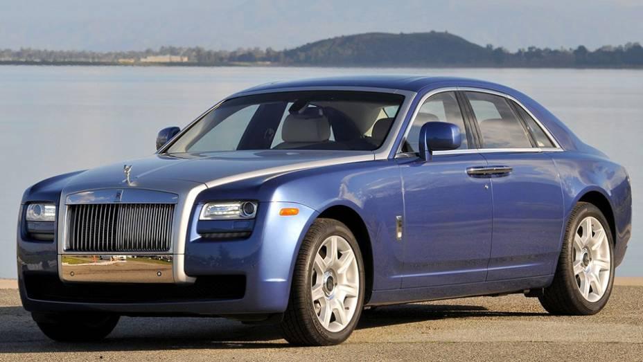 14º) Rolls-Royce Ghost (2012) - valor do IPVA: R$ 53.848,92; valor venal: R$ 53.848,92; equivale a: Volkswagen Golf 1.6 Mi Total Flex (R$ 52.856,00)