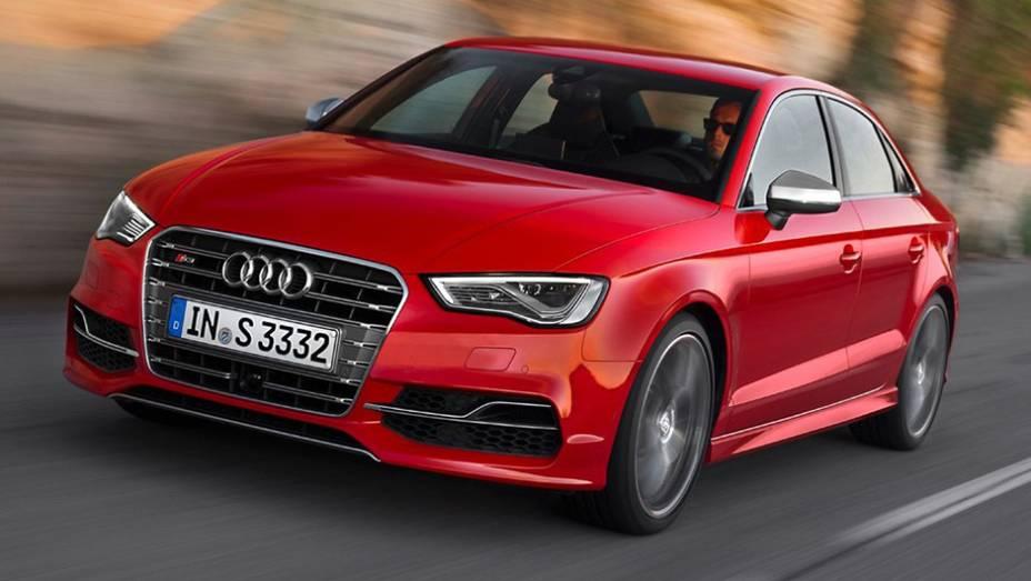 CARRO ESPORTIVO: Audi S3