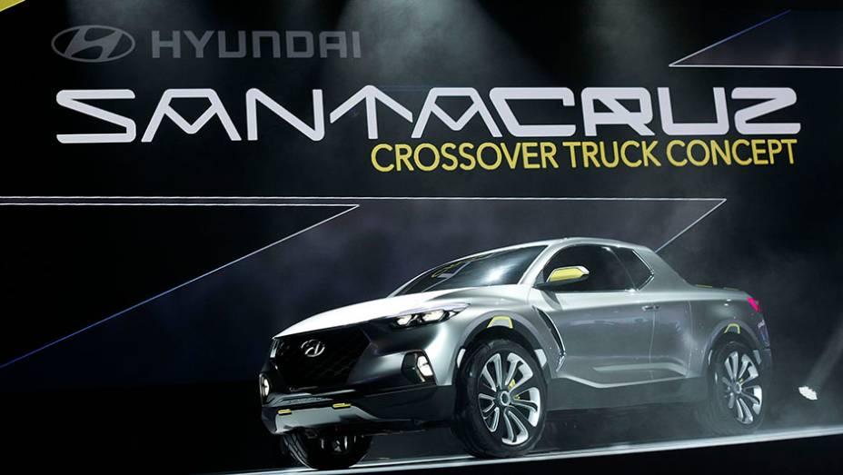 """Hyundai Santa Cruz concept   <a href=""""http://quatrorodas.abril.com.br/noticias/saloes/detroit-2015/hyundai-revela-conceito-santa-cruz-detroit-825121.shtml"""" rel=""""migration"""">Leia mais</a>   <a href=""""http://quatrorodas.abril.com.br/galerias/saloes/detroit-2015/1o-dia-salao-det"""" rel=""""migration""""></a>"""