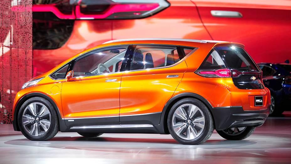 """Chevrolet Bolt EV   <a href=""""http://quatrorodas.abril.com.br/noticias/saloes/detroit-2015/chevrolet-surpreende-bolt-ev-concept-824540.shtml"""" rel=""""migration"""">Leia mais</a>   <a href=""""http://quatrorodas.abril.com.br/galerias/saloes/detroit-2015/1o-dia-salao-detroit-824981.sht"""" rel=""""migration""""></a>"""