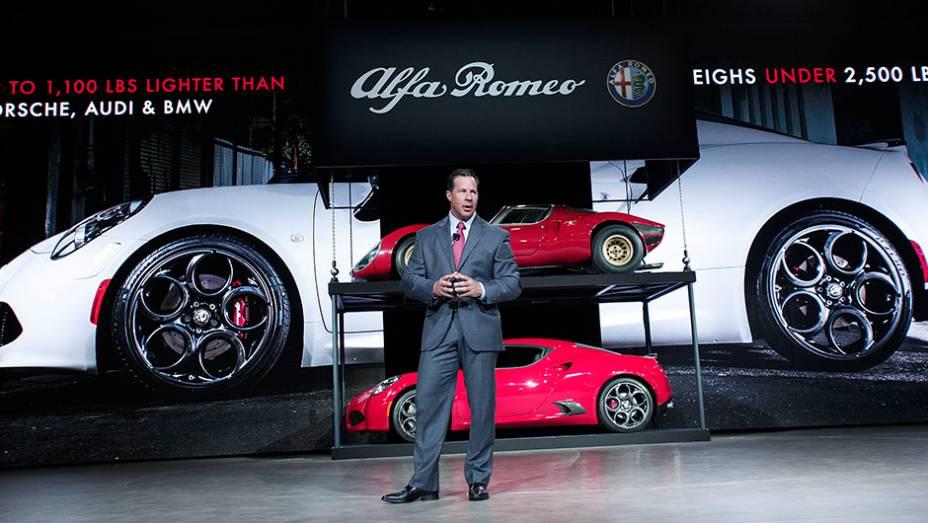 """Estande da Alfa Romeo   <a href=""""http://quatrorodas.abril.com.br/galerias/saloes/detroit-2015/1o-dia-salao-detroit-824981.shtml"""" rel=""""migration"""">Veja a primeira parte</a>   <a href=""""http://quatrorodas.abril.com.br/galerias/saloes/detroit-2015/direto-detroit-parte-2-825561.s"""" rel=""""migration""""></a>"""