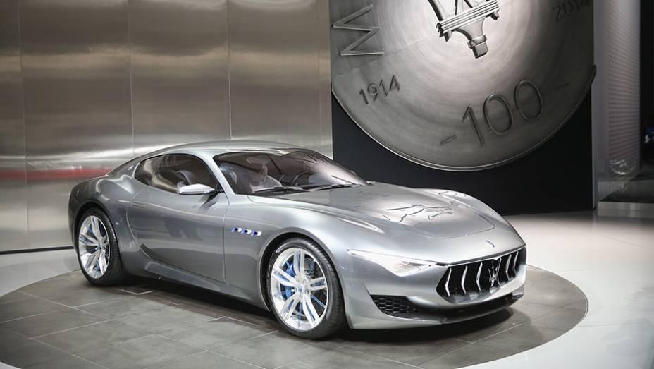 """Maserati Alfieri concept   <a href=""""http://quatrorodas.abril.com.br/galerias/saloes/detroit-2015/1o-dia-salao-detroit-824981.shtml"""" rel=""""migration"""">Veja a primeira parte</a>   <a href=""""http://quatrorodas.abril.com.br/galerias/saloes/detroit-2015/direto-detroit-parte-2-82556"""" rel=""""migration""""></a>"""