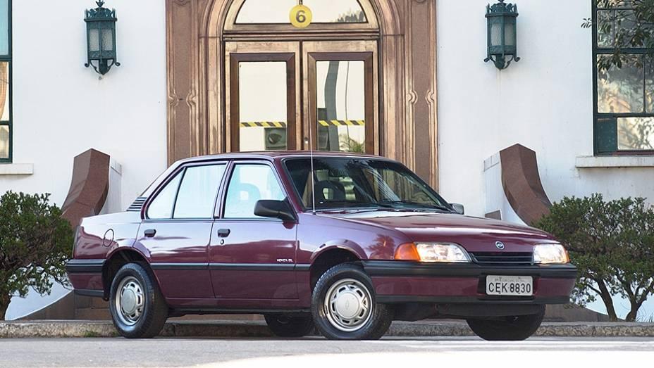 Em 1996, o Monza, que já havia sido reestilizado, deixou de ser produzido.