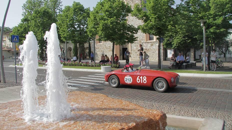A Itália, sede do evento, tem mais inscritos, com 131 carros. Em seguida, surgem Alemanha (85) e Reino Unido (54). O Brasil também tem participantes inscritos.