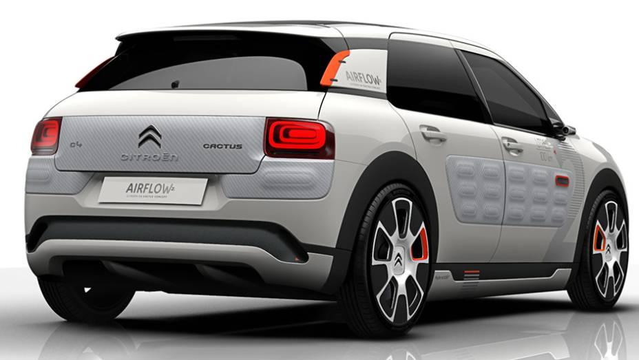 Uma das muitas iniciativas da Citroën com o C4 Cactus Airflow para reduzir o peso foi a disponibilidade de um motor a ar comprimido, que pode funcionar independentemente do bloco a gasolina.