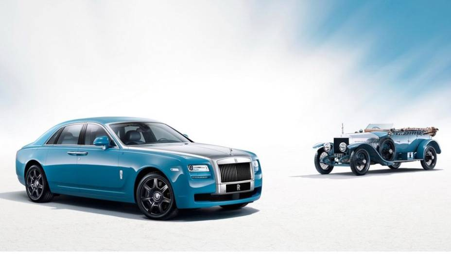 """A Rolls-Royce aderiu à ideia de criar edições especiais de seus modelos baseadas em veículos do passado. É com essa proposta que a marca apresenta o Ghost Alpine Trial Centenary Collection neste Salão de Xangai   <a href=""""%20http://quatrorodas.abril.com.br/"""" rel=""""migration""""></a>"""