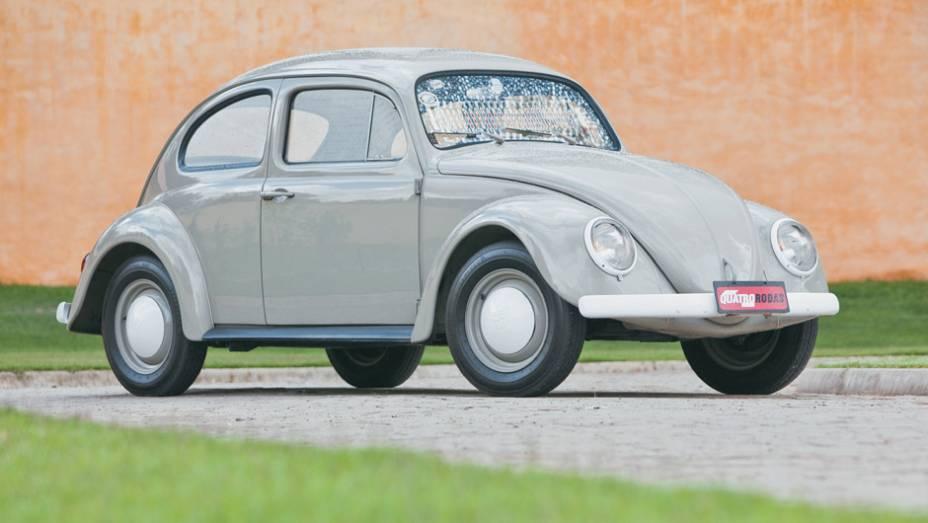 VW Sedan Pé de Boi: nascido em 1965, o modelo despojado não tinha nem tampa do porta-luvas; como o carro já era símbolo de status, acabou descontinuado um ano depois