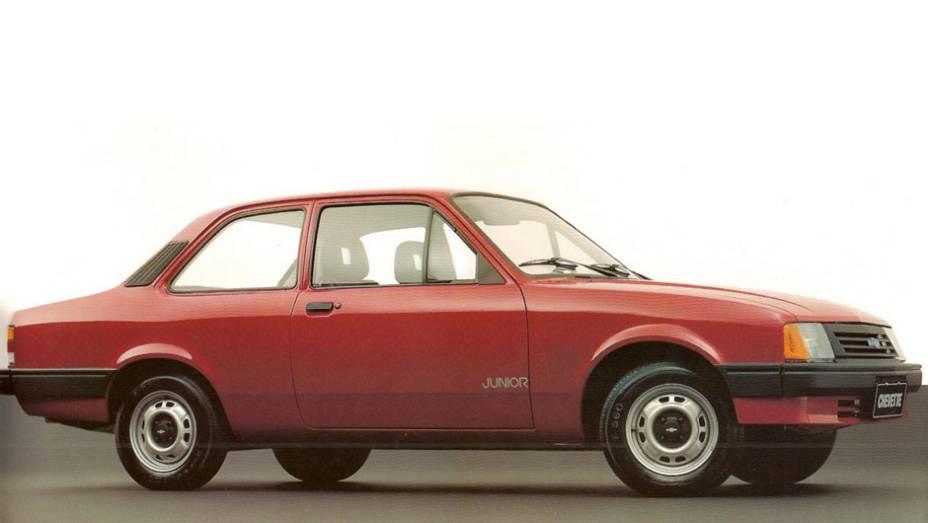 Chevrolet Chevette Junior: esta versão depenada do Chevette foi uma tentativa de resposta ao Uno Mille; equipado com um fraco motor 1.0 de 50 cv, deixou as ruas em 1993, apenas um ano após sua estreia