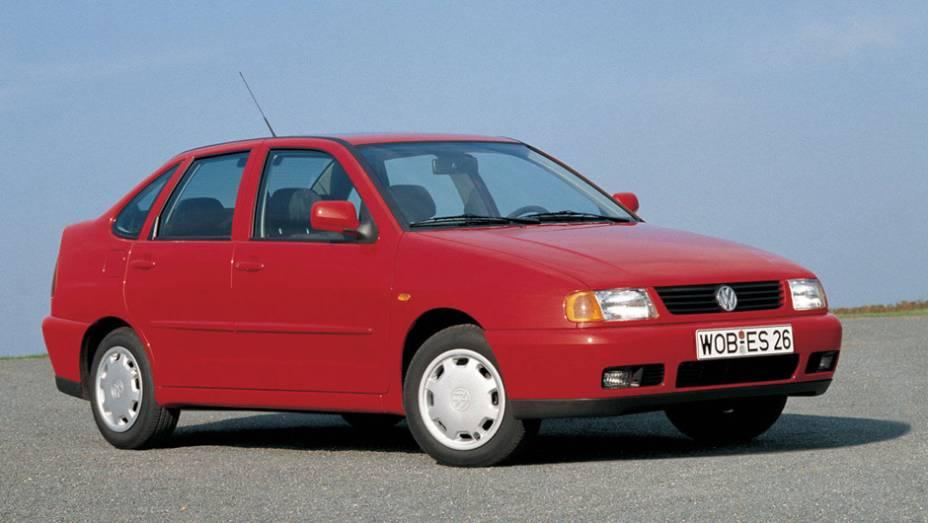 VW Polo Classic: o sedã começou a vir da Argentina em 1997 após o fim do Logus e a descontinuação do Voyage; resistiu até 2002 sem grandes mudanças - e com vendas pouco expressivas