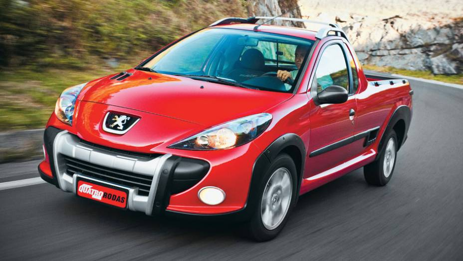 Peugeot Hoggar: longe de ser um sucesso de vendas - pelo contrário, amargou as últimas posições de um segmento dominado pela líder absoluta Fiat Strada e VW Saveiro; saiu de cena em 2014
