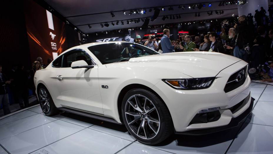 """Ford Mustang 50th anniversary   <a href=""""http://quatrorodas.abril.com.br/noticias/saloes/new-york-2014/ford-anuncia-mustang-50-year-limited-edition-779908.shtml"""" rel=""""migration"""">Leia mais</a>"""