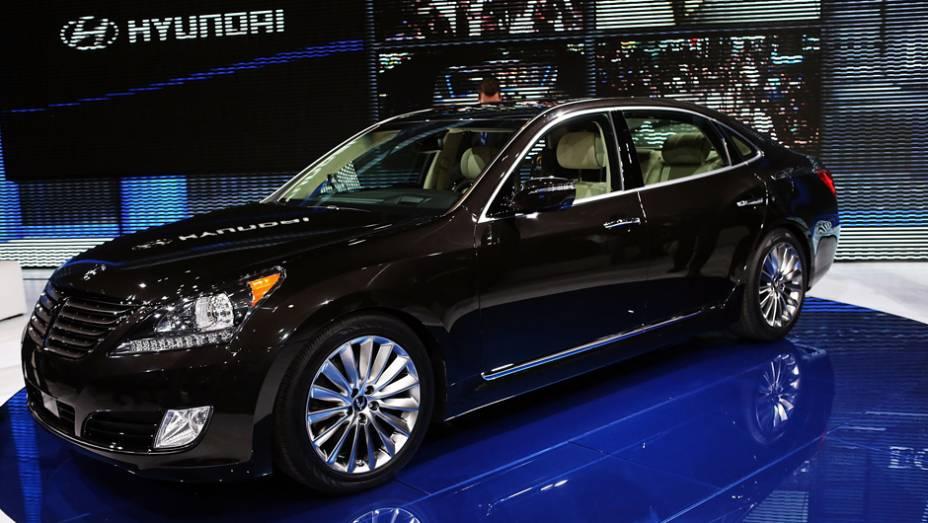 """Hyundai Equus   <a href=""""http://quatrorodas.abril.com.br/noticias/saloes/new-york-2014/"""" rel=""""migration"""">Leia mais</a>"""