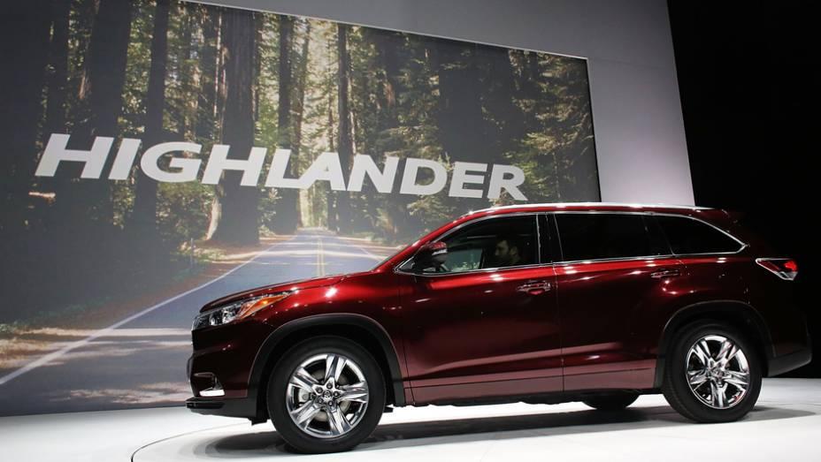 """Toyota Highlander   <a href=""""http://quatrorodas.abril.com.br/noticias/saloes/new-york-2014/"""" rel=""""migration"""">Leia mais</a>"""