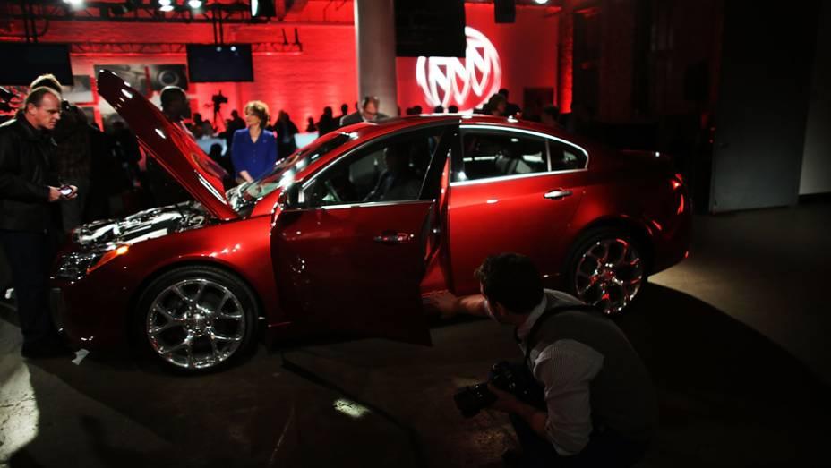 """Buick Regal GS   <a href=""""http://quatrorodas.abril.com.br/noticias/saloes/new-york-2014/"""" rel=""""migration"""">Leia mais</a>"""