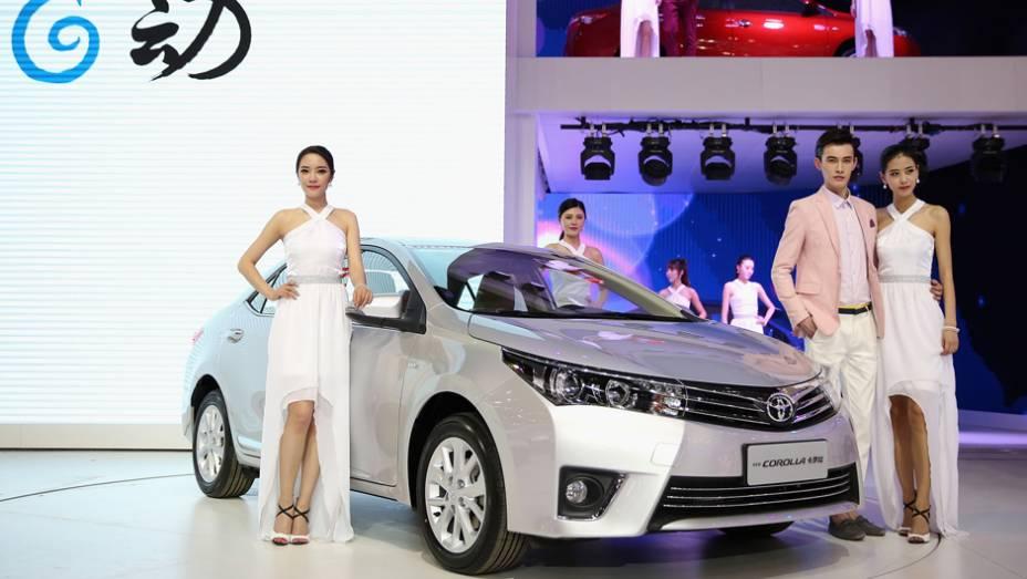 """Toyota Corolla   <a href=""""http://quatrorodas.abril.com.br/noticias/saloes/pequim-2014/l"""" rel=""""migration"""">Leia mais</a>"""