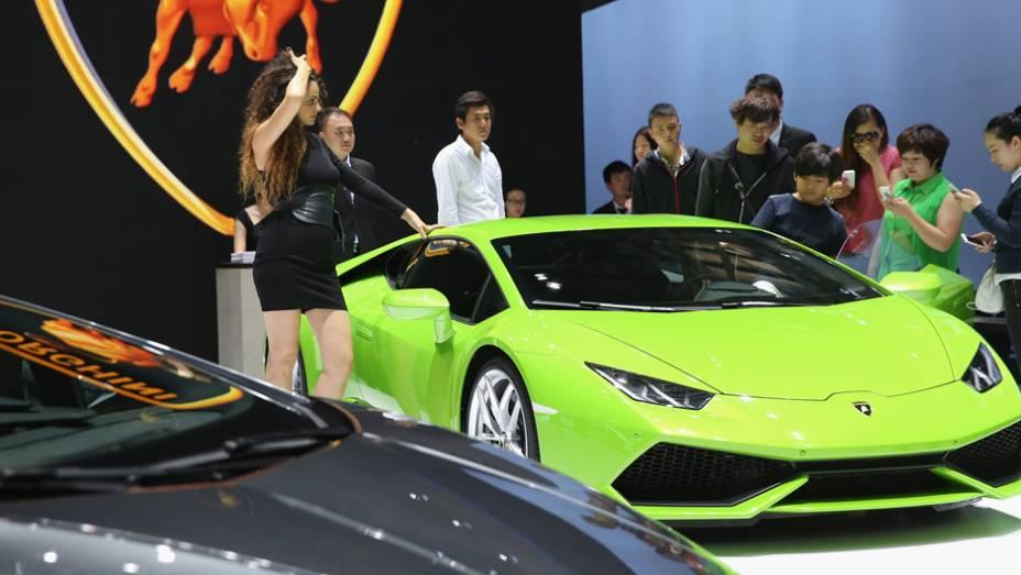 """Lamborghini Gallardo LP 570-4 Blancpain Edition   <a href=""""http://quatrorodas.abril.com.br/noticias/saloes/pequim-2014/l"""" rel=""""migration"""">Leia mais</a>"""