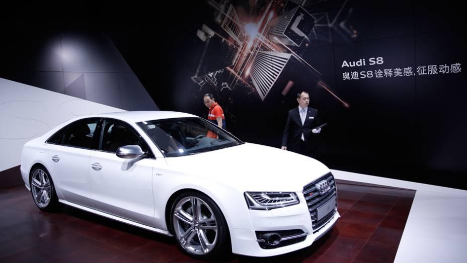 """Audi S8   <a href=""""http://quatrorodas.abril.com.br/noticias/saloes/pequim-2014/l"""" rel=""""migration"""">Leia mais</a>"""