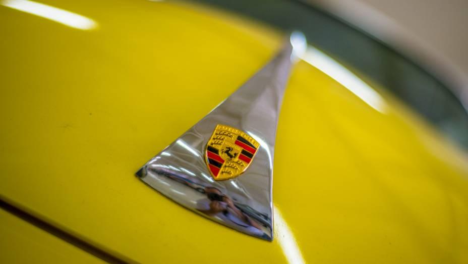Os europeus também têm seu espaço, com vários Porsche em estado impecável de conservação