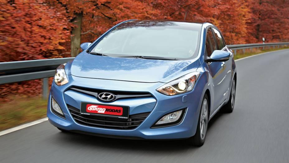 O i30 adere ao novo estilo da Hyundai, igual ao do Sonata e ix35.
