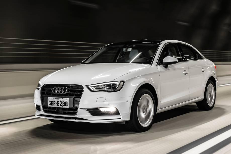 """<strong>Audi A3 Sedan</strong>– A nacionalização do modelo foi o principal destaque da Audi no Brasil em 2015. Com isso, o A3 Sedan ganhou as inéditas motorizações <a href=""""http://quatrorodas.abril.com.br/materia/audi-a3-sedan-ambiente-913640"""" rel=""""1.4 turbo flex"""" target=""""_blank"""">1.4 turbo flex</a> e <a href=""""http://quatrorodas.abril.com.br/materia/impressoes-audi-a3-sedan-20-tfsi/"""" rel=""""2.0 turbo"""" target=""""_blank"""">2.0 turbo</a>."""