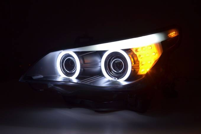 BMW – angel eyes