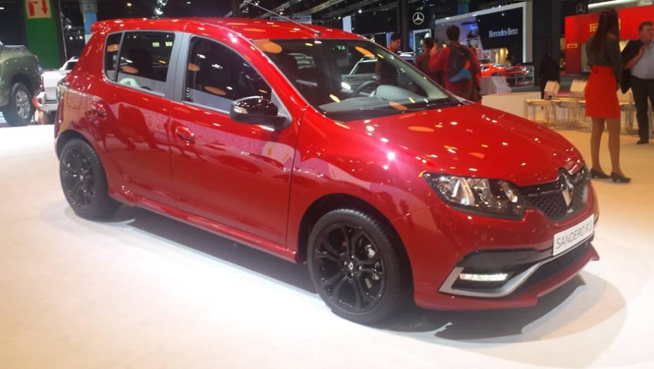 A Renault teve dois lançamentos. O primeiro foi o Sandero R.S