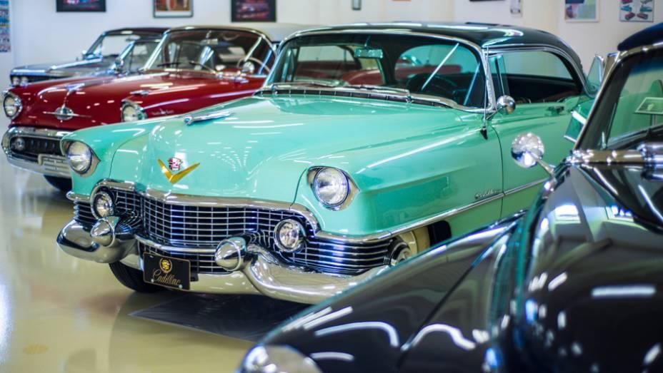 Os elegantes Cadillacs se destacavam em meio aos outros clássicos
