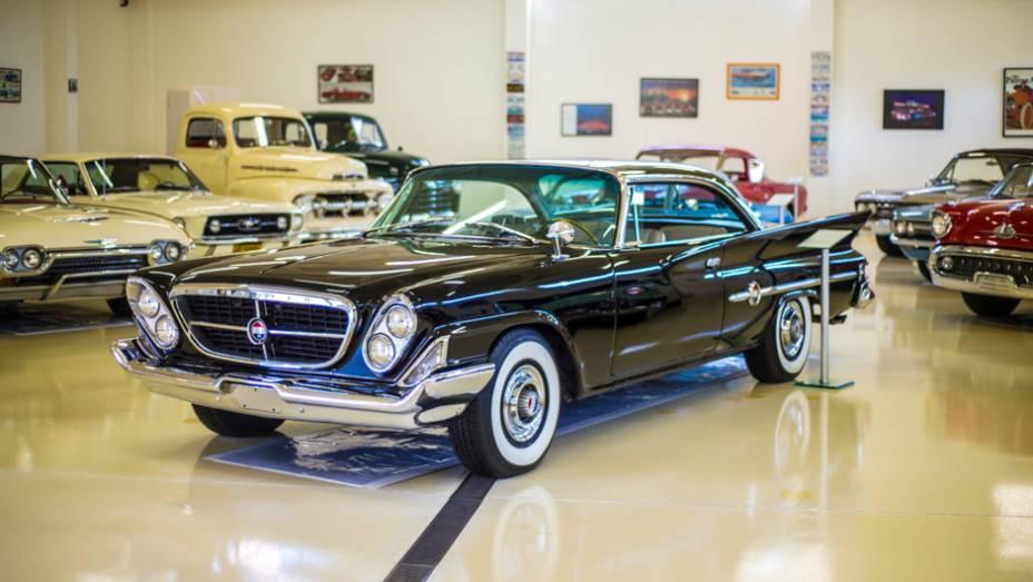 Este Chrysler 300 é tão raro a ponto de ocupar um espaço de destaque até no museu da própria marca, em Auburn Hills (EUA)