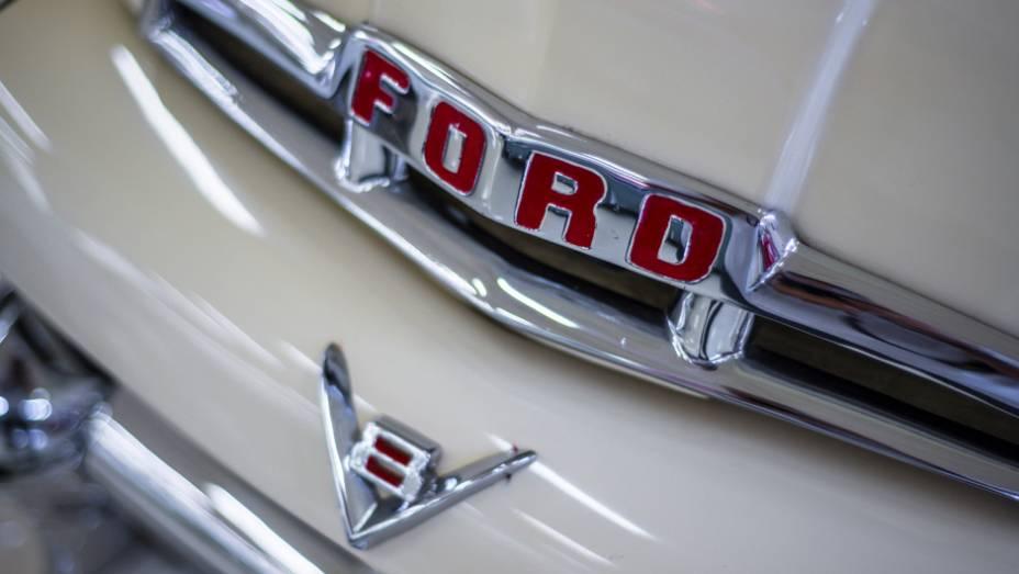 As picapes Ford dos anos 50 e 60 também marcam presença